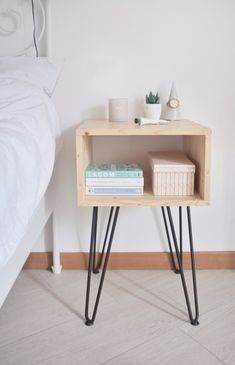 Easy DIY nightstand with hairpin legs for a cozy Scandinavian style bedroom Scandinavian Style Bedroom, Scandinavian Sofas, Minimalist Scandinavian, Modern Bedroom, Bedroom Decor, 50s Bedroom, Wall Decor, Diy Furniture Table, Furniture Legs