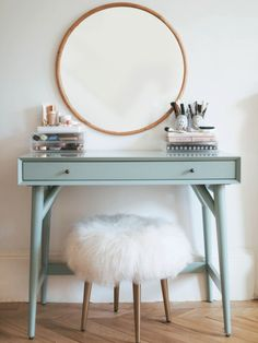 If you love makeup, then you need a makeup vanity table. A vanity table will keep all your makeup organized and will give you a comfortable place to apply it. You can create a makeup area that suits your style. Decoration Inspiration, Decor Ideas, 31 Ideas, Interior Inspiration, New Room, Floating Shelves, Floating Vanity, Bedroom Decor, Bedroom Wall