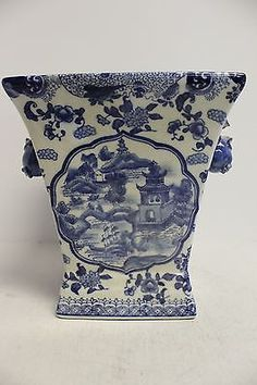 Beautiful Blue and White Porcelain Square Pot Blue Willow Design 8'