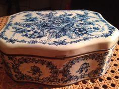 Senza marca Butter Dish, Dishes, Kitchen, Vintage, Cuisine, Cooking, Home Kitchens, Kitchens, Vintage Comics