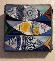 mosaic fish wall hanging by Freshwater mosaics Mosaic Tile Art, Mosaic Crafts, Mosaic Projects, Mosaic Animals, Ceramic Fish, Mosaic Madness, Blue Tiles, Mosaic Designs, Fish Art
