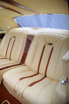 Top Notch Customs Builds a Clean Buick Riviera Car Seat Upholstery, Car Interior Upholstery, Automotive Upholstery, Custom Car Interior, Truck Interior, 1965 Buick Riviera, Automobile, Best Car Seats, Classic Corvette