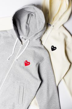 Comme Des Garcons Hoodie, Comme Des Garcons Play, Outfits For Teens, Cool Outfits, College Hoodies, Special Dresses, T Shirts For Women, Clothes For Women, Alter