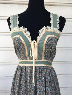 Beautiful Gunne Sax/Jospeh Magnin sundress. Vintage Size 9