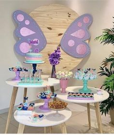 Butterfly Birthday Party, Girl 2nd Birthday, Gold Birthday, 2nd Birthday Parties, Butterfly Party Decorations, Birthday Decorations, Lila Gold, Colorful Party, Barbie