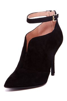 Enzo Angiolini Pamla Suede Ankle Bootie//