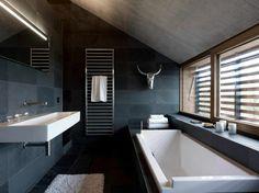 Contemporary bathroom designs offer us futuristic and elegant space in time. The basic idea behind the contemporary bathroom design is to create something pleasant. Interior Design Minimalist, Minimalist Decor, Modern Minimalist, Minimalist Fashion, Modern Interior, Dark Bathrooms, Beautiful Bathrooms, Bathroom Black, Hipster Bathroom