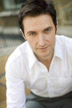 Richard Armitage simple and clean look. Damn, what a hottie. Richard Armitage, British Men, British Actors, British Things, Actors Then And Now, John Thornton, King Richard, Thorin Oakenshield, Wattpad