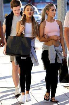 Ariana Grande Out with friends #celebrities #fashion #style #streetstyle #outfit