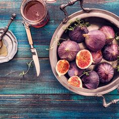Everything you need to know about figs: they contain a lot of antioxidants and are ideal to start the day, but also great for numerous recipes in the kitchen.