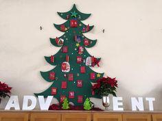 Jeden Tag ein bisschen Weihnachten...  Der große Adventskalender im Salemer Esssaal bereitet den Schülern jeden Tag ein kleines Geschenk: freie Platzwahl oder Musik beim Mittagessen, ein schulkleidungsfreier Tag, servieren des Mittagessens durch die Mentoren und vieles mehr. Was das nächste Türchen offenbart, wird natürlich noch nicht verraten :-)