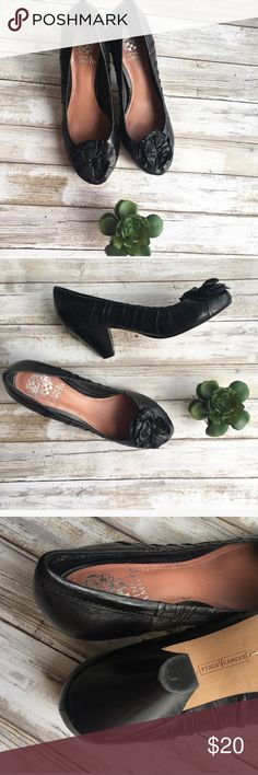 Vince camino low heel Like new  Cute style  Super elegant   Follow my Instagram : @vintage.paris Vince Camuto Shoes Heels