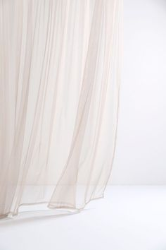 Colours Beige Sheer Tulle Curtains Save Money While You Survive the Heat Staying coo Tulle Curtains, White Curtains, Tulle Fabric, Stoff Design, Iphone Design, Minimalist Wallpaper, Pastel Wallpaper, White Aesthetic, Aesthetic Wallpapers