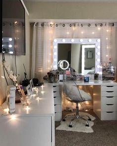 ✔️ 95 Simple Dormitory Makeup Room Ideas But Looks Beautiful 70 - Makeup Room İdeas Bedroom Decor For Teen Girls, Girl Bedroom Designs, Teen Room Decor, Room Ideas Bedroom, Men Bedroom, Gold Bedroom, Design Bedroom, Bedroom Furniture, Furniture Ideas