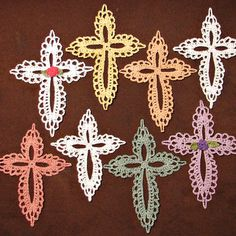 Small lace cross crocheted ornament or bookmark - Thumbnail 5