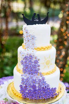 A Tangled Wedding Inspiration at Cator Woolford Gardens in Atlanta, Georgia Bolo Rapunzel, Rapunzel Birthday Cake, Tangled Birthday Party, Princess Birthday, Rapunzel Cake Ideas, Disney Desserts, Disney Cakes, Disney Themed Cakes, Pretty Cakes