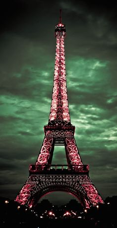 ★ I've pinned many images of the Eiffle Tower, but this is one of my favorites because the colors are so striking!