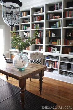 We don't have a separate room for the home office, but this would be lovely to do around the table in the dining area. (neutral home office with built-in bookshelves) Home Office Space, Home Office Design, Home Office Decor, Office Ideas, Office Designs, Small Office, Office Style, Office Setup, Small Garden Office
