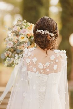 Wedding Cape with Flowers Long Veil Cape Covered with Ivory | Etsy Simple Wedding Gowns, Wedding Cape, Wedding Ideas, Flower Crown Wedding, Wedding Hair Flowers, Bridal Hair Pins, Headpiece Wedding, Wedding Dress Topper, Bridesmaid Hair Accessories