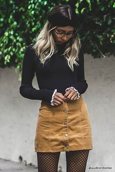 Robe Coupe Droite en Jean - Ropa Tutorial and Ideas Yellow Skirt Outfits, Winter Skirt Outfit, Dress Outfits, Button Up Skirt Outfit, Button Front Skirt, Dresses, Best Casual Outfits, Fall Outfits, Thanksgiving Outfit Women