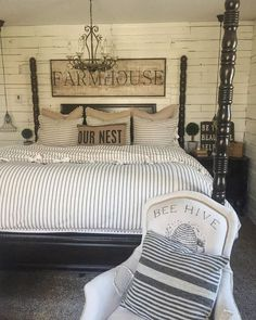 So in love with this bedroom decor ❤️