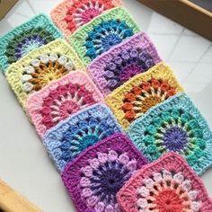 #crochet #crocheting #crochetersofinstagram #crocheted #crochetblanket #mandala #yarn #knitting #knitaddict #instaknit #knitlove #örgü #örgümodelleri #tığişi #elisi #hekle #instacrochet #motif #blanket #bebekbattaniyesi #handmade #örgübattaniye #virka #crochetaddict #örgümüseviyorum #hamileanneler #babyblanket #örgüörmektenaslavazgeçemem #crochetbag