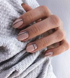 20 reasons for transparent and white nails (page How should we choose the nail polish? The brand and the choice of color nail polish completely change your appearance . Simple Nail Art Designs, Easy Nail Art, Stripe Nail Designs, Line Nail Designs, Neutral Nail Designs, Neutral Nail Art, Round Nail Designs, Oval Nail Art, Picasso Nails