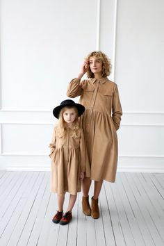 Shirt dress in a soft needle cord fabric. Source by offonclothing Dresses Casual Look, Matching Outfits, Baby Dress, Fashion Dresses, Fashion Clothes, Kids Outfits, Kids Fashion, Creations, Girls Dresses