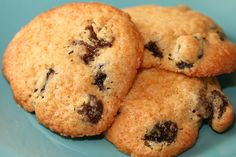 Raisin cookies reminiscent of the ones from Crown Bakery on Guam, recipe at paulaq.com > more recipes