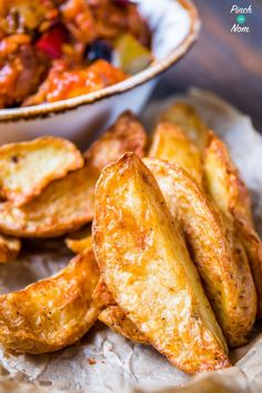 These Rustic Potato Wedges are a fab slimming friendly side dish, and really, really tasty! Great for calorie counting or diet plans like Weight Watchers. Clean Eating Recipes, Cooking Recipes, Healthy Recipes, Healthy Food, Weekly Recipes, Healthy Style, Beef Recipes, Recipies, Healthy Eating