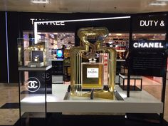 """Chanel No. 5 """"The one that I want"""" display."""