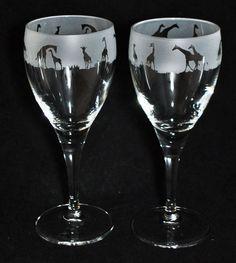 *GIRAFFE GIFT* Boxed PAIR WINE GLASS with GIRAFFE SAFARI Frieze
