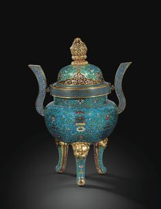 A LARGE CLOISONNÉ ENAMEL CENSER AND COVER, CHINA, QING DYNASTY, QIANLONG PERIOD (1736-1795)