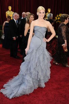 Versace tulle dress for Elizabeth Banks in 2010. Gorgeous line that explodes with perfectly cascading ruffling.