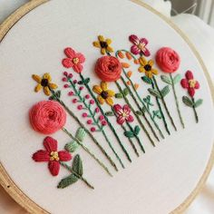 DIY Hand Embroidery Pattern PDF Hand Embroidered Flower Garden Roses and Sunflow. - DIY Hand Embroidery Pattern PDF Hand Embroidered Flower Garden Roses and Sunflowers Summer Colors I - Garden Embroidery, Hand Embroidery Patterns Flowers, Embroidery Flowers Pattern, Simple Embroidery, Hand Embroidery Stitches, Hand Embroidery Designs, Embroidered Flowers, Embroidery Ideas, Embroidery Sampler
