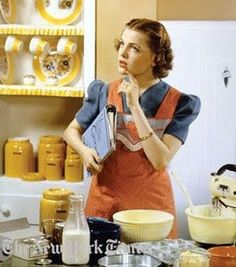 Retro Housewife ((i love a lot of retro/vintage)) 1950s Housewife, Vintage Housewife, Housewife Humor, Housewife Quotes, Fee Du Logis, Domestic Goddess, Mellow Yellow, Baking Tips, Baking Hacks
