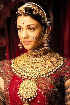 23 Fascinating Aishwarya Rai Wedding Images Aishwarya Rai