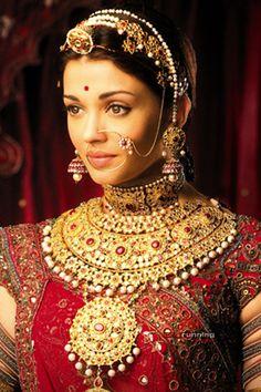 aishwarya rai jewellery in jodha akbar - Abhishek Bachchan and Aishwarya Rai - Zimbio