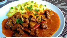 Thai Red Curry, Beef, Ethnic Recipes, Food, Red Peppers, Meat, Essen, Meals, Yemek