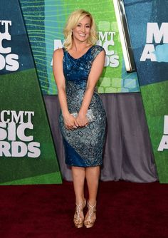 Pin for Later: Le Tapis Rouge des CMT Music Awards Etait Ultra Sexy Kellie Pickler
