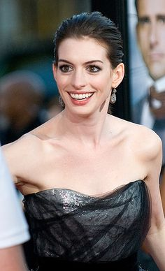 Who knew Anne Hathaway was a Vegan. She supports a plant based diet and even had her entire wedding catered Vegan! Way to be a great healthy role model.