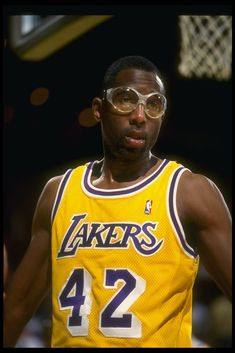 43 in all-time is NBA All-Star James Worthy. Basketball Is Life, Basketball Legends, Sports Basketball, Basketball Players, Showtime Lakers, James Worthy, Nba Championships, I Love La, Sport Icon