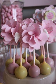 Floral Cake Pops #floral #cakepops