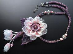 八重桜のボリュームビーズネックレス #カザリ咲色 #ビーズ #ビーズフラワー #ビジュー #ハンドメイド #コサージュ #手作り #手芸 #アクセサリー #bead #beads #bijou #beading #beadedflower #beadswork #beadwork #beadsph #bijoux #beaded #biser #corsage #handmade