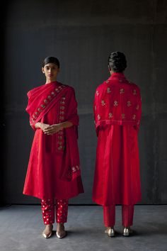 Left: Do Kali Fahima Abha , Fadyaa Pajama , Erina Dupatta Right: Che Kali Samaira Abha , Hafiza pajama