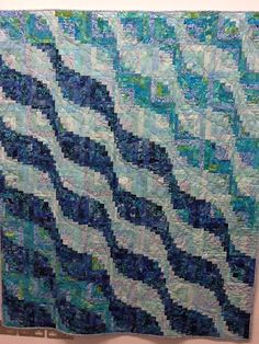 Cool Waters log cabin quilt by Janet Beck.  Coming Home exhibition, 2014, London (UK) Quilters' Guild.