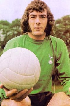 Pat Jennings ~ First Class Keeper and a Spurs legend World Football, Sport Football, Football Players, Football Casuals, Pat Jennings, Tottenham Hotspur Players, Premier League Soccer, Match Of The Day, The Sporting Life