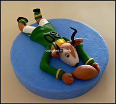 Springbok Rugby Cake Topper cakepins.com Fondant Toppers, Cupcake Toppers, Rugby Cake, South African Rugby, Dad Cake, Sports Party, Cupcake Ideas, Themed Cakes, Party Cakes