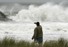 Obama Vows to Respond 'Big' and 'Fast' to Hurricane Sandy -