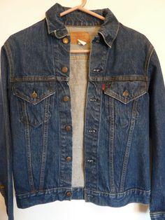 Vintage Levi's Jean Jacket 1970s - early 80s Denim Trucker Jacket Men's Size 36